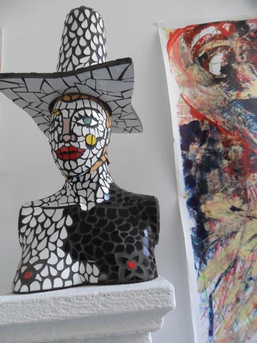 Victoria. Scultura in mosaico. Cm 80x40x35. 2016